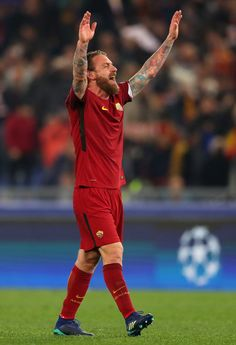 Daniele De Rossi of AS Roma celebrates during the UEFA Champions League Quarter Final Second Leg match between AS Roma and FC Barcelona at Stadio Olimpico on April 10, 2018 in Rome, Italy.