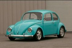 1967 Volkswagen VW Beetle Custom Engine - my two favourites.beetle and turquoise! Vw For Sale, Vw Beetle For Sale, Vw Super Beetle, Beetle Car, Vw Beetle Custom, My Dream Car, Dream Cars, Volkswagen Karmann Ghia, Engines For Sale