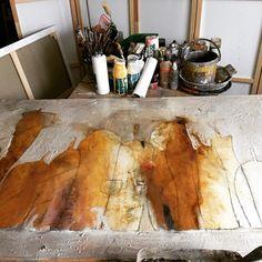 Momentan arbeite ich an einem neuen Bild in der Größe von 100x 140cm. Es werden abstrakte Krüge entstehen und sobald es fertig ist werd ich es in den Shop stellen Acrylic Paintings, Etsy, Inspiration, Art, Atelier, Modern Art Paintings, Painting Abstract, Abstract Landscape, Canvas Frame