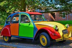 Vintage Cars, Antique Cars, Psa Peugeot Citroen, Motorhome, 2cv6, Vintage Gas Pumps, Alfa Romeo Cars, Old School Cars, Hot Rod Trucks