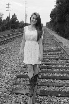 Senior Pictures #RailRoad