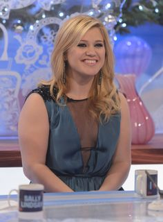 The first photos of Kelly Clarkson's daughter are here!