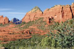 Uptown Sedona restaurants featuring reviews of places to eat and drink in Sedona, Arizona.