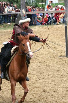 horsebackarchery11
