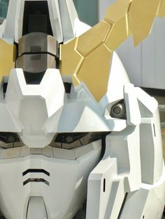 The Life-Sized Unicorn Gundam Statue: Work In Progress (Update 8th August 2017) NEW Images http://www.gunjap.net/site/?p=323991