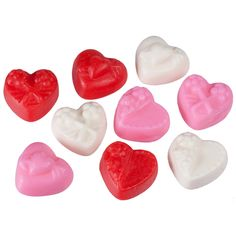 Victorian Mellocreme Hearts from Jelly Belly. Chewy mellocremes in three colors and flavors. A great Valentine's Day candy!    A charming Confection returns from the Goelitz collection. Beautiful Victorian heart designs in three luscious colors and mellocreme flavors - Pink (Strawberry), Red (Cherry) and White (Vanilla).     Arrives in a made to order 1/2  pound gift bag