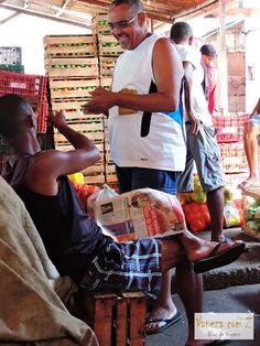 Feira de São Joaquim, em Salvador, Bahia, Brasil. A maior feira livre de Salvador possui aspectos culturais e gastronômicos bem peculiares.  Texto e fotografia: http://vanezacomz.blogspot.com.br