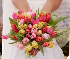 Spring wedding flowers - tulips are so bright and fresh! #spring #wedding #flowers