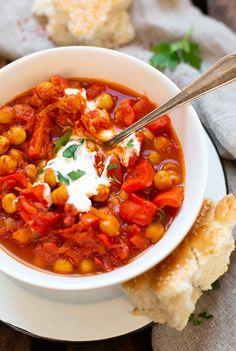 Garbanzos al curry indio - Art Design Soup Appetizers, Appetizer Recipes, Dinner Recipes, Quick Appetizers, Dinner Dishes, Side Dishes, Indian Food Recipes, Vegetarian Recipes, Healthy Recipes