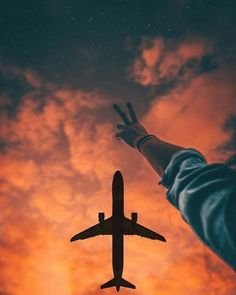 Looking for for ideas for background?Browse around this website for perfect wallpaper inspiration. These cool background pictures will brighten your day. Aesthetic Photo, Travel Aesthetic, Aesthetic Pictures, Airplane Photography, Nature Photography, Travel Photography, Flying Photography, Museum Photography, Pinterest Photography