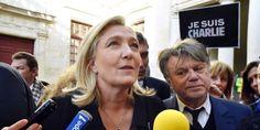 Vidéo en fin d'article.  On ne va pas revenir sur l'absence de miss Le Pen à la manif «Je Suis Charlie» pour cause d'absence de tapis rouge et de carton d'invitation ; hier, c'est donc à Baucaire, nouveau fief frontiste, que le Fn manifestait tout seul pour l'unité national. Quelques centaines de personnes se sont rassemblés devant l'hôtel de ville, croyant qu'il s'agissait, comme partout en France, d'une manifestation.  Certains furent affichèrent bien vite leur déception ...