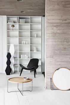 Shell chair - Lounge Chair by Hans J Wegner - Carl Hansen & Søn Home Interior, Interior Decorating, Interior Design, Scandinavia Design, White Laminate, Wing Chair, Design Furniture, Modern Furniture, Danish Design