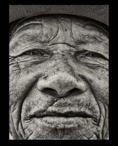 Gallerie de portraits en noir et blanc par Guillaume EGGINTON.