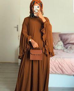 Modest Fashion Hijab, Modesty Fashion, Fashion Outfits, Abaya Fashion, Mode Turban, African Fashion Skirts, Mode Abaya, Muslim Women Fashion, Sleeves Designs For Dresses