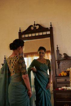 Kalamkari Blouse Designs, Cotton Saree Blouse Designs, Saree Blouse Patterns, Fancy Blouse Designs, Designer Blouse Patterns, Kota Sarees, Saree Trends, Stylish Sarees, Saree Look