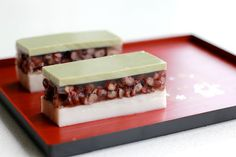 Green Cilantro: Coconut, Red bean and Matcha Agar Agar dessert Jelly Desserts, Asian Desserts, Raw Food Recipes, Dessert Recipes, Cooking Recipes, Sushi Recipes, Jelly Recipes, Coconut Jelly, Japanese Sweets