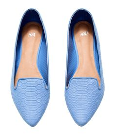 Light blue pointed-toe flats for a sweet accent. | H&M Pastels