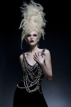 präsentiert von www.my-hair-and-me.de  #blonde #blond #hell #haare #hair #gekreppt #straight #high