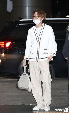 Bts Airport, Airport Style, Korean Airport Fashion, Korean Fashion, Mnet Asian Music Awards, K Pop, Bts Thailand, Hope Fashion, Future Fashion
