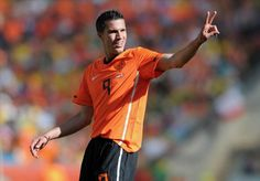 Report : Arsenal's Robin van Persie To Join Man City For $40.2 Million