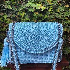 azul para começar o dia!!! #crochebylelen #lelen #bolsa #bolsaspersonalizadas #moda #fashion #crochet #croche #bolsas #look #azul #bolsaazul