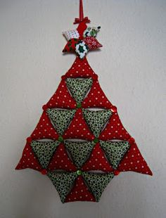 RosMadeMe: Stuff The Bunting Christmas Tree Tutorial