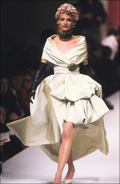 Chanel 1991  Model: Linda Evangelista. She was totally my beauty ideal when I was younger.