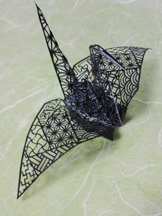 3D paper cutting art: Origami crane by Uni