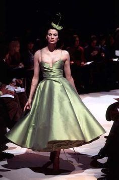 1996 - John Galliano for Givenchy couture - Kirsten Mc Menamy