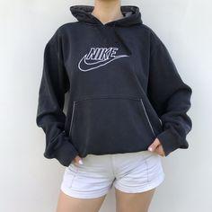 Wear Womens Nike Shoes Outfit w/ Nike Hoodies Nike Pullover, Nike Hoodie, Nike Outfits, Sporty Outfits, Retro Outfits, Hoodie Outfit, Sweater Hoodie, Hoodie Sweatshirts, Hoodies