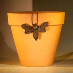 cast iron hanging bumble bee decoration for garden pot