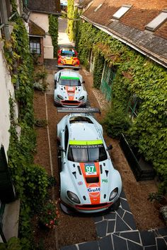Aston Martins at l'hotel de France