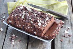 """750g vous propose la recette """"Gâteau au chocolat et spéculoos sans cuisson"""" en pas à pas. Avec une photo pour chaque étape, la réalisation de cette recette est un jeu d'enfant."""