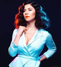 Marina and the Diamonds is a fucking goddess