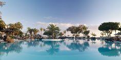 Si este verano buscas unas vacaciones románticas ¿qué te parece una escapada a Lanzarote?  En el Meliá Salinas encontrarás un hotel solo adultos rodeado de exóticos jardines, con acceso directo a la playa y villas privadas en las tendrás mayor privacidad.  Ven a disfrutar de la Costa Teguise y haz de tus vacaciones una experiencia inolvidable.  Barceló Viajes ¡No dejes de viajar!  Información y reservas siguiendo el enlace ☛☛☛ http://j.mp/1v8UYxW