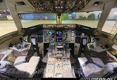 Cockpit of Shanghai Airlines Boeing 767-36D/ER