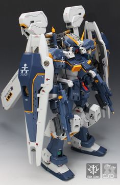 Check out the latest Gunpla Gundam News here. Anime Couples Manga, Cute Anime Couples, Anime Girls, Rosario Vampire Anime, Mecha Suit, Gundam Mobile Suit, Gundam Custom Build, Model Tanks, Robot Concept Art