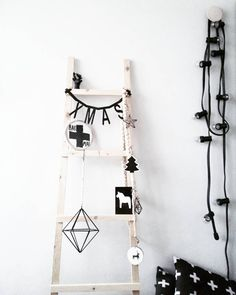 Wood Projects, Projects To Try, Christmas Diy, Xmas, Wardrobe Rack, Ladder Decor, House Design, Inspiration, Ladders