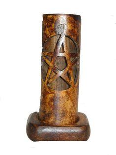 Luminária feita em bambu para vela comum e de 7 dias, com talismã rúnico vazado
