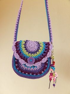 Adorable little girl's purse. I didn't make it but I am inspired by it!