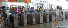 Eingangssperren für Tickets an einer BTS Station Bangkok, Ticket, Bts Station
