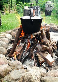 Pieczonki z kociołka Dutch Oven, Grilling, Survival, Menu, Outdoor Decor, Food And Drinks, Iron Pan, Menu Board Design, Dutch Ovens