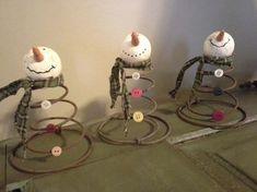 uses for old metal bed springs | Metal Spring Snowman. A faire aussi avec du fil d'alu (taille au choix)