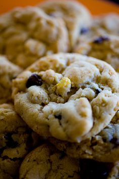 Chocolate Chip Cookies with Cornflakes.  Someone made me one like this, except she used granola instead of quick oats.  So tasty!! @April Cochran-Smith C