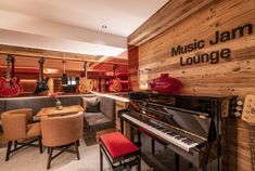 Lounge. Restaurant. Music Jam. Hotel Bergfried. Restaurant Music, Music Jam, Music Instruments, Lounge, Space, Airport Lounge, Floor Space, Drawing Rooms, Musical Instruments