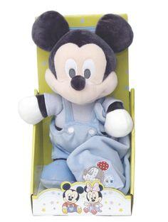 Söpön vaaleansininen Mikki-pehmo kantaa kainalossaan ihanan pehmeää uniriepua! Pehmo sopii mainiosti niin leikki- kuin unikaveriksi. Korkeus 25 cm, käsinpesu. Mickey Mouse, Teddy Bear, Toys, Animals, Activity Toys, Animales, Animaux, Michey Mouse, Toy