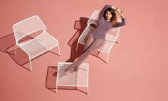Hot Mesh Lounge Chair - Hero Image
