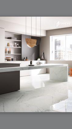 Cocina con piso de mármol