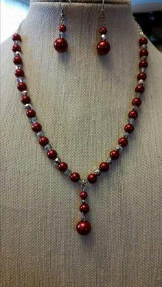 Collar de perlas y cristales