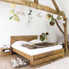 12 ideas for a cocooning room - Trendy Home Decorations Cozy Bedroom, Dream Bedroom, Interior Decorating, Interior Design, Wood Beds, Diy Bed, Home Furniture, Outdoor Furniture, Sweet Home